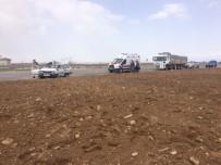 Karaman'da Otomobille Tır Çarpıştı Açıklaması 2 Ölü, 1 Yaralı