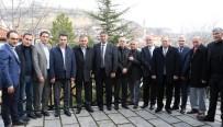 KARABÜK ÜNİVERSİTESİ - Rektör Polat Dernek Yöneticileri İle Bir Araya Geldi