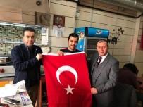 LOKANTACILAR ODASI - Zeytin Dalı'na Destek İçin Bayrak Dağıtımı