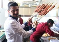 İÇLİ KÖFTE - Adana Kebabına Hollywood Coşkusu