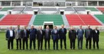 ÇEVRE TEMİZLİĞİ - Başkan Atilla Yeni Stadyumu İnceledi