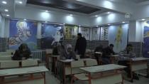 BUZDOLABı - Bu Okulda Veliler De Sınava Giriyor