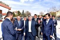 YOL ÇALIŞMASI - Büyükşehir'den 5 Yeni Köprülü Kavşak Ve Yaya Üst Geçidi