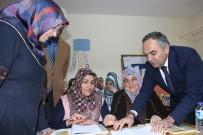 SÜRÜCÜ KURSU - Düzce Belediye Başkanı Ay'dan Okuma Yazma Öğrenen 2 Kişiye Ehliyet Sözü