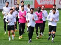 FLORYA METIN OKTAY TESISLERI - Galatasaray, Atiker Konyaspor Maçı Hazırlıklarını Sürdürdü
