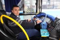 MEHMET AKIF ERSOY ÜNIVERSITESI - Halk Otobüsü Şoförü Fenalaşan Öğrenciyi Hastaneye Yetiştirdi