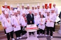 MEVLÜT UYSAL - İBB'nin Sosyal Tesislerinde Görev Yapan Madalyalı Aşçılar, Ödüllü Yemeklerini Sergiledi