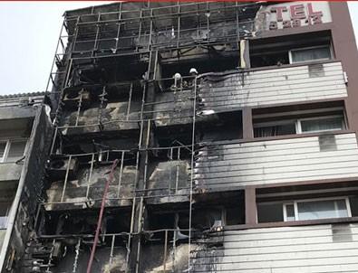 İzmir'de otel alev alev yandı