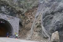 TOPRAK KAYMASI - Karabük - Yenice Karayolunda Heyelan Tehlikesi