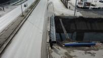YAYA GEÇİDİ - Karaca Deresi Üzerine Yaya Köprüsü Yapıldı