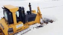KIŞ MEVSİMİ - Karla Mücadele Ekiplerinin Zorlu Kış Mesaisi