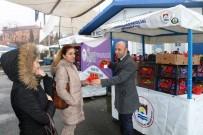 KADIN CİNAYETİ - Marmaraereğlisi'nde Kadınlara Çiçek Dağıtımı Yapılıyor