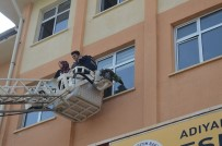 DOĞAL AFET - Okulda Yangın Ve Deprem Tatbikatı Gerçekleştirildi