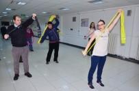 BALıKESIR DEVLET HASTANESI - Psikiyatri Hastaları Sabah Sporu Ve Dansla Stres Atıyor