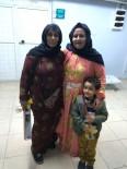 KADIN MİLLETVEKİLİ - AK Partili Biter Kadınlara Karanfil Verdi
