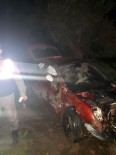 AĞIR YARALI - Ayvalık'ta Tek Taraflı Trafik Kazası; 1 Yaralı