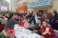 YÜREĞIR BELEDIYE BAŞKANı - Başkan Çelikcan, Kadınlarla Kahvaltıda Bir Araya Geldi