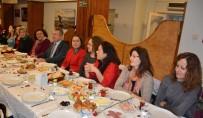 SABAH KAHVALTISI - Belediye Başkanı, Kadın Çalışanlara 8 Mart'ı Ücretli Tatil Yaptı