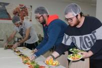 KAYAHAN - Bu Kez Öğrenciler Kadın Aşçılar İçin Mutfağa Girdi