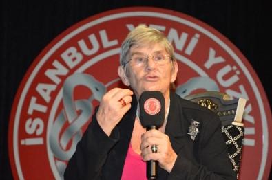 Canan Karatay mikrofonu eline aldı türkü söyledi