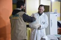 SAĞLIK GÖREVLİSİ - Doğu Guta'daki Sağlık Görevlilerine Türkiye'den Gıda Yardımı