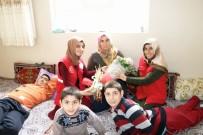 ENGELLİ ÇOCUK - Engelli 3 Çocuğa Bakan Annenin 8 Mart Kadınlar Gününü Kutlandı