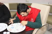 KARAHISAR - Engelli Oğlunu 25 Yıldır Kucağında Taşıyan Eli Öpülesi Anne