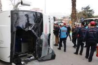 HALK OTOBÜSÜ - Freni Patlayan Halk Otobüsü Yan Yattı Açıklaması 29 Yaralı