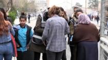 PERVIN BULDAN - Kadınlar Günü Etkinliğinde TOMA'ları Kadın Polisler Kullandı