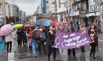 KADIN CİNAYETİ - Kadınlar Günü'nde Anma Yürüyüşü Gerçekleştirdi