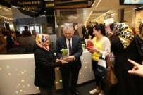 SANAT ESERİ - Kadınların El Emeği 8 Mart Dünya Kadınlar Günü'nde Sergilendi