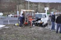 Konya'da Traktörle Minibüs Çarpıştı Açıklaması 4 Yaralı