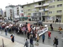 CİNSEL TACİZ - Kosova Kadınları Eşitlik İçin Yürüdü