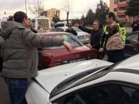 EVLİYA ÇELEBİ - Kütahya'da Zincirleme Trafik Kazası Açıklaması 1 Yaralı