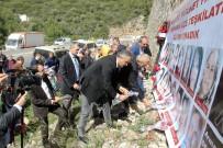 MEHMET KORKMAZ - MHP'den 24 Ölümlü Kaza Alanında 8 Mart Anması