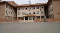 EVLİYA ÇELEBİ - Okulun Havalandırma Boşluğuna Düşen Öğrenci Yaralandı