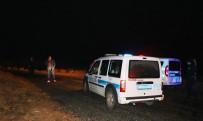 GİZLİLİK KARARI - Polis, Cinayetin İzini Saatlerce Şehir Polis Kamerası Kaydı İzleyerek Buldu