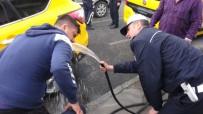 Polis Önce Biber Gazı Sıktı, Sonra Yüzlerini Yıkadı