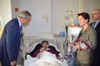SAĞLIKÇI - Sağlıkçı Kadınlara Ve Hastalara Karanfil