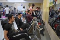 SPOR MERKEZİ - Şehitkamil Belediyesi Spor Merkezlerine Yoğun İlgi