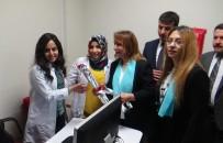 SAĞLıK SEN - Siirt'te Kadın Sağlık Çalışanlarına Karanfil Dağıtıldı