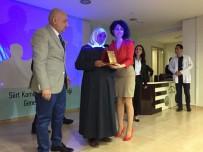 KADIN İŞÇİ - Siirt'te Şehit Annesine Plaket Verildi