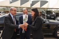 MAHMUT DEMIRTAŞ - Vali Demirtaş'tan AOSB'deki Firmalara Ziyaret