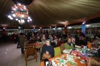 GAZİ YAKINLARI - Akyazı'da Dünya Kadınlar Gününe Yoğun Katılım