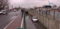 ERCIYES - Direksiyon Hakimiyeti Kaybolan Otomobil Kanala Uçtu