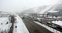 KAR KALINLIĞI - Erzurum'da Kar Kalınlığı 20 Santimetreye Ulaştı
