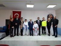 KARATE - Foçalı Şampiyon Karateciler Spor Lisesini Ziyaret Etti