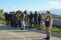 EMEKLİ POLİS - Kamyonet Kasasında Umuda Yolculuk