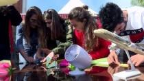 YAMAÇ PARAŞÜTÜ - Öğrenciler Kağıt Uçaklarını Yarıştırdı