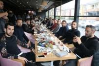 SAKARYASPOR - Sakaryasporlu Futbolcular Ve Teknik Heyet Kahvaltıda Bir Araya Geldi